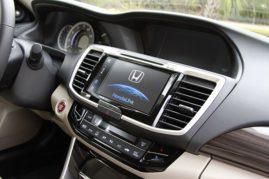 2017 Honda Accord 4D Touring V6